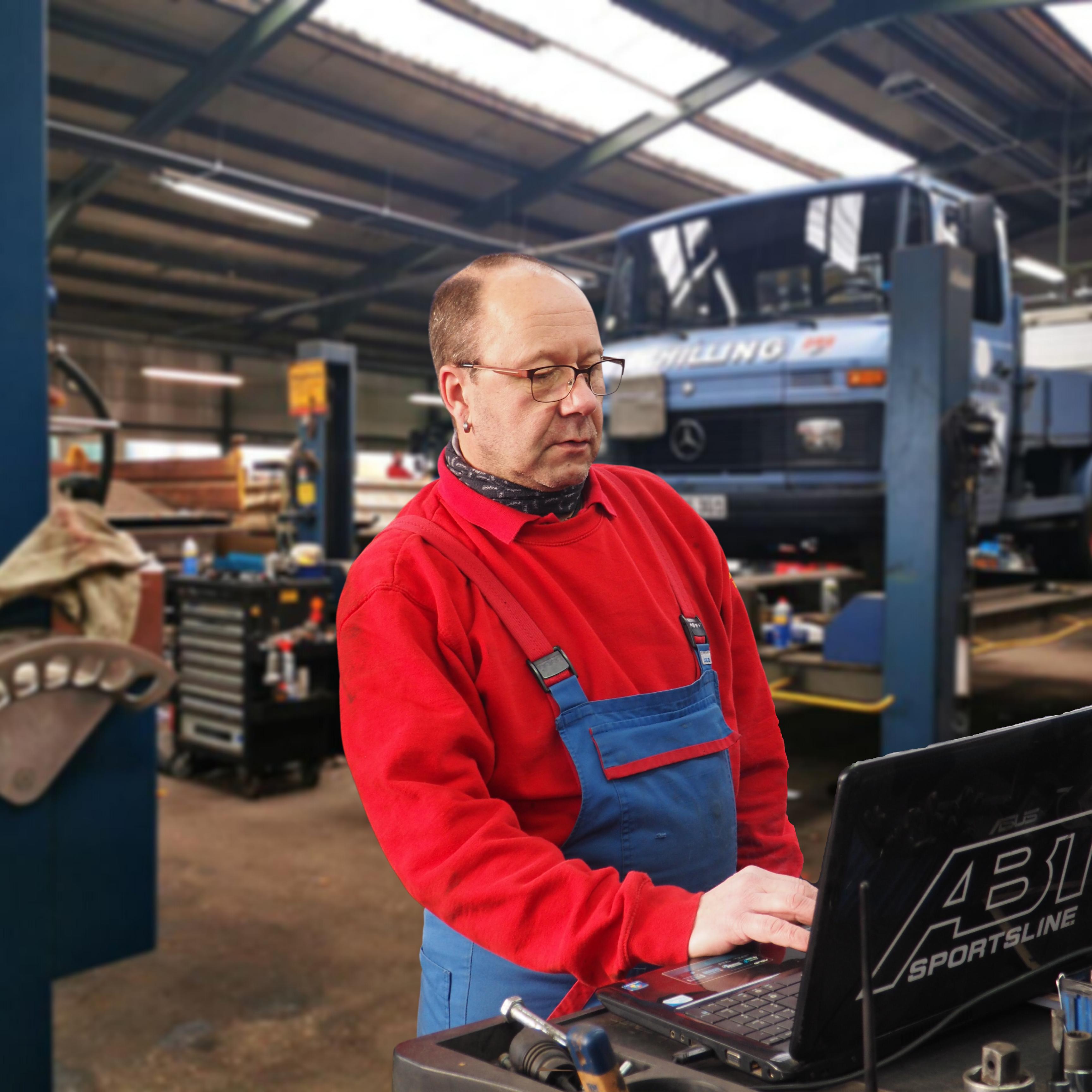 Wartung durch Ihre freie Werkstatt für LKW / NFZ / PKW und Anhänger in Wülfrath – Kreis Mettmann
